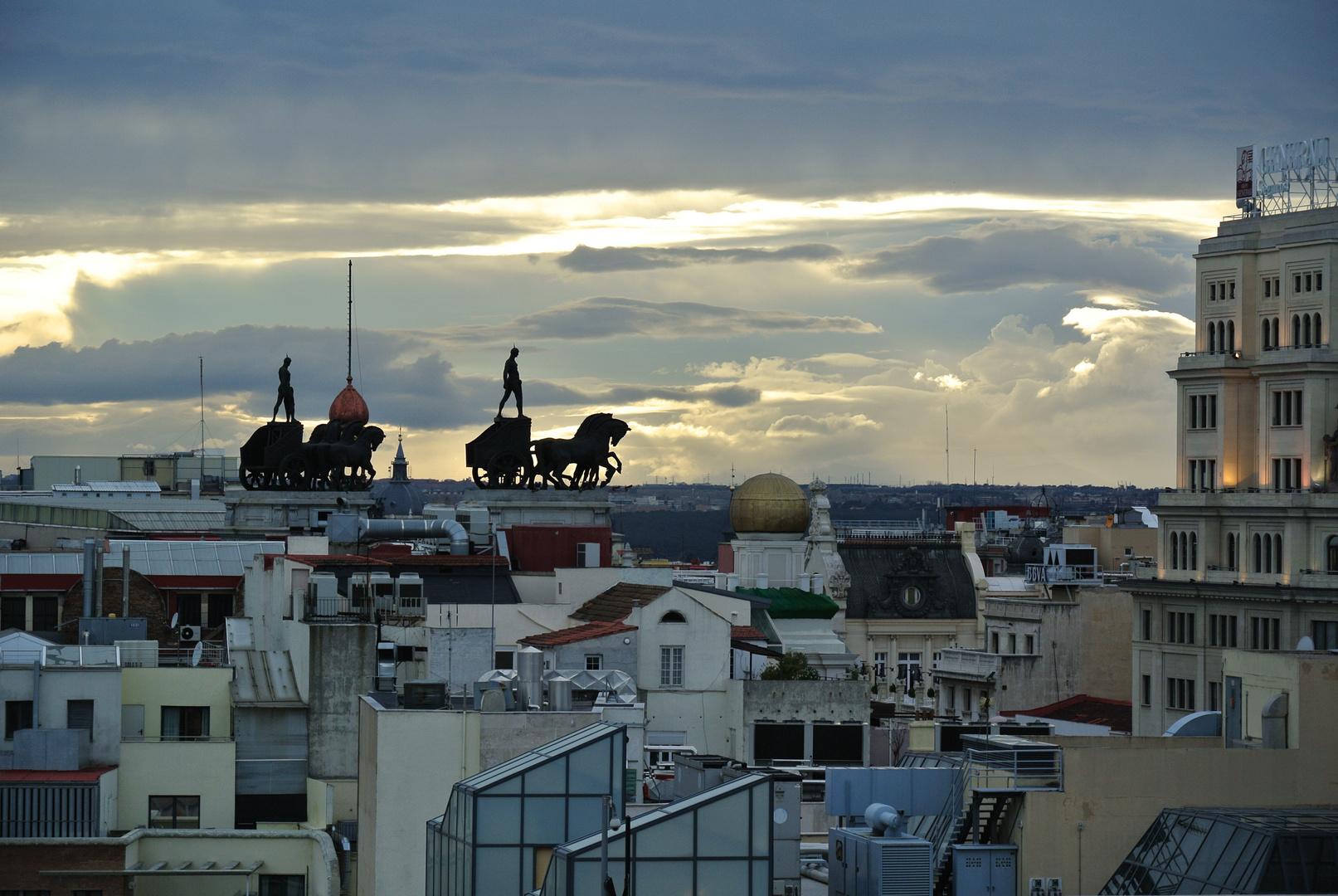 Pferdekutschen in den Wolken