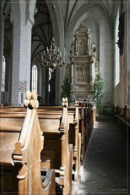 Pfingsten im Dom zu Bautzen - Südschiff mit geschmücktem Altar