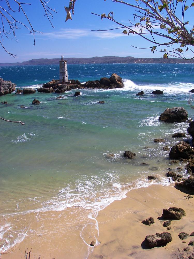 phare a l'entrée de la baie d 'antsiranana (diego-suarez)
