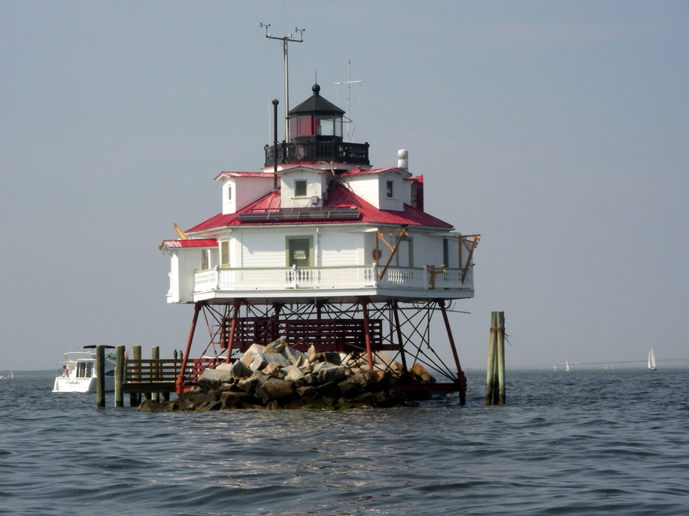 phare balise dans la baie de chasepeak