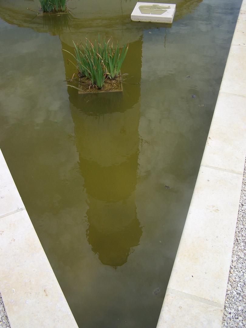 phare les pieds dans l'eau
