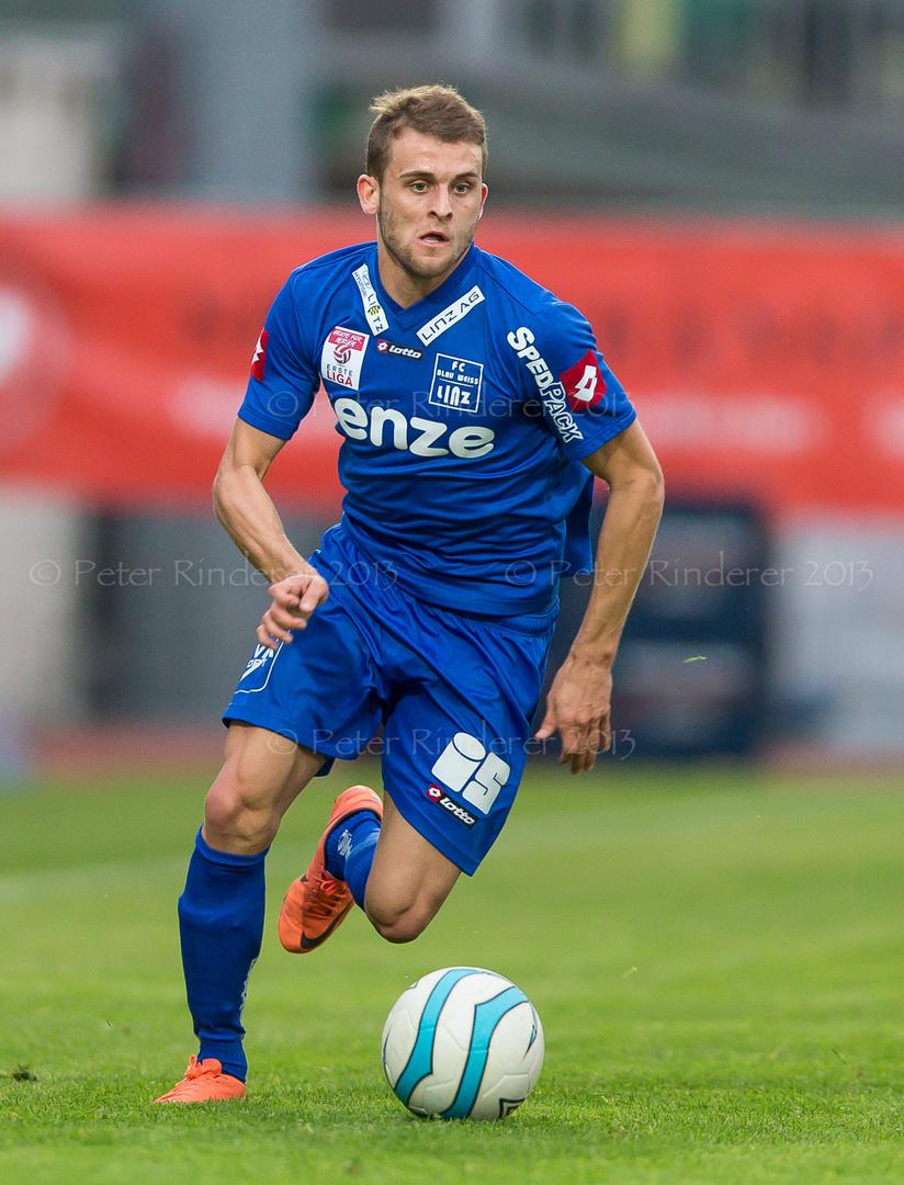 Philipp Huspek, (FC Blau Weiss Linz, #18)