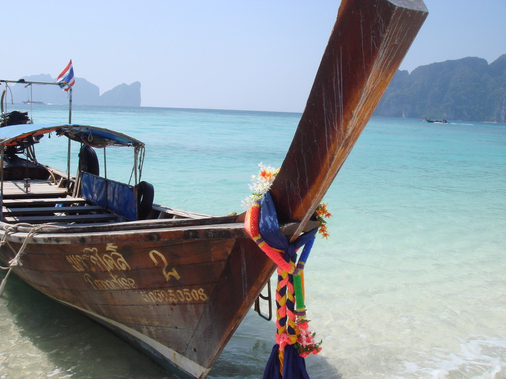 PhiPhi Islands on a nice day