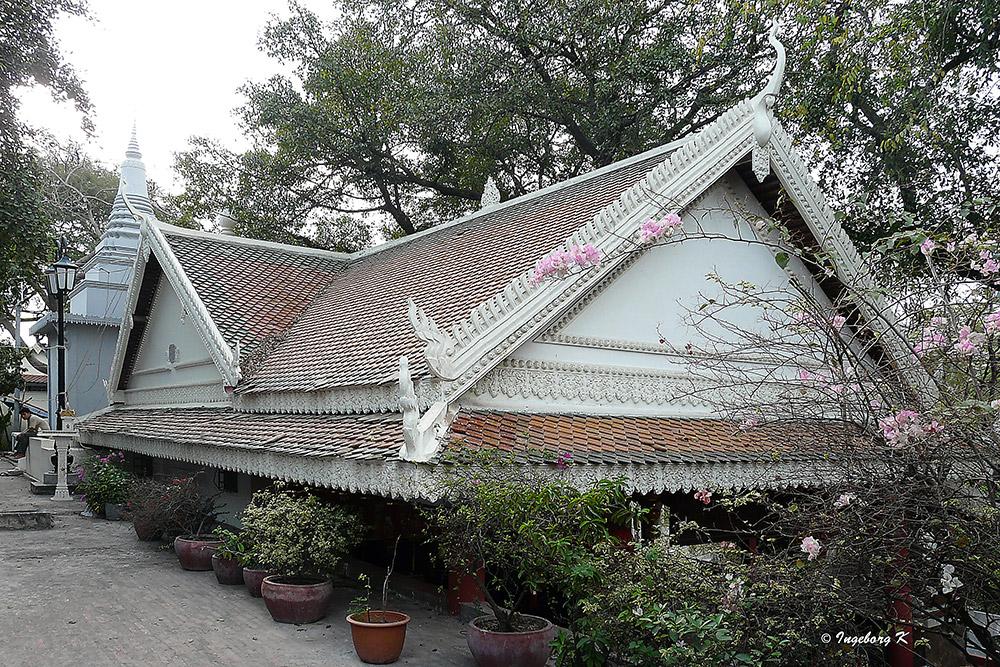Phnom Penh - Tempelgebäude an der Silberpagode