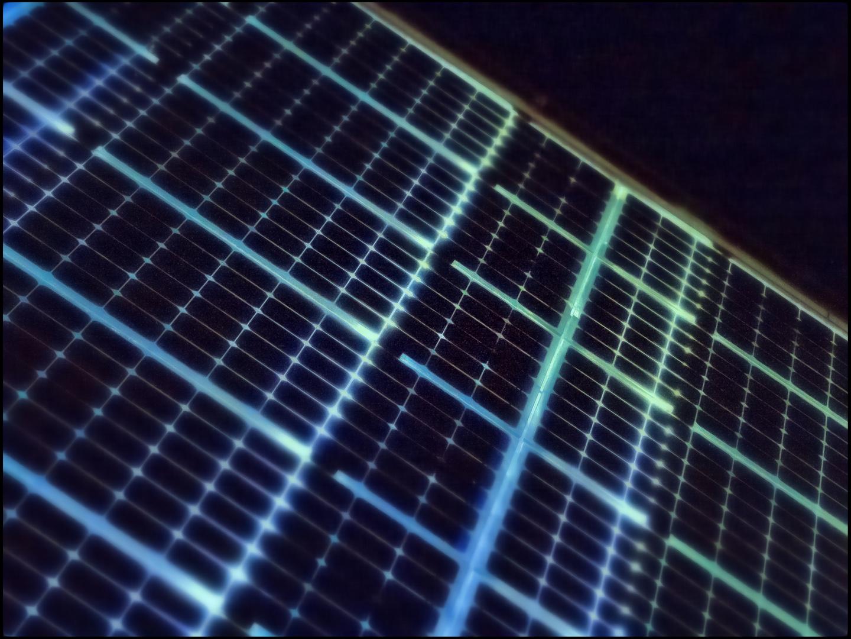 Photovoltaik bei Nacht