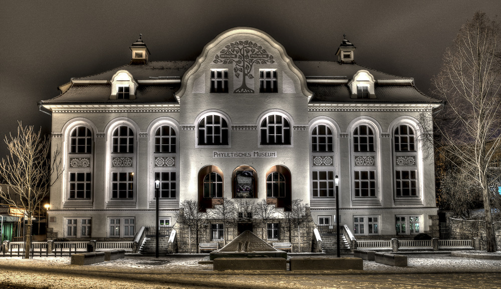 Phyletisches Museum in Jena ( HDR - Nachtaufnahme )