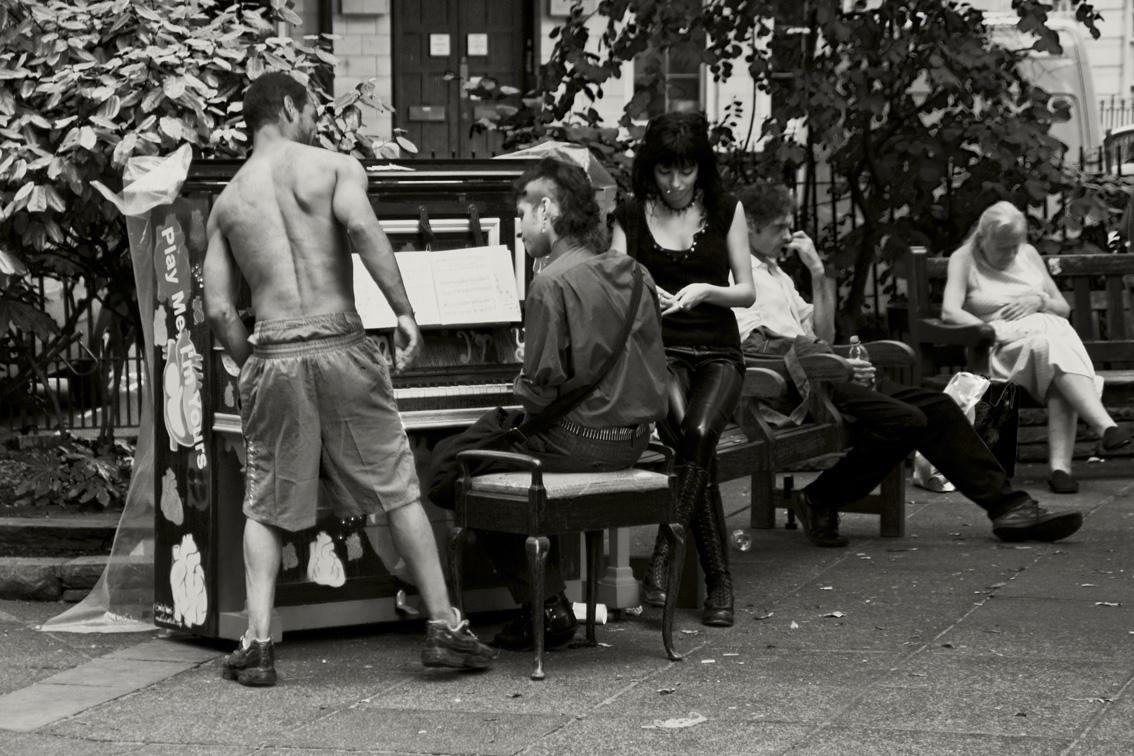 Piano im Park
