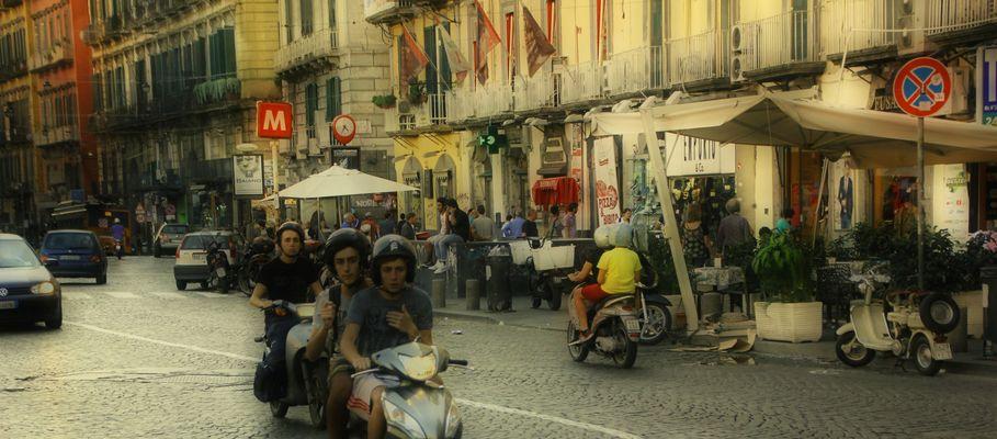 Piazza Dante / Napoli