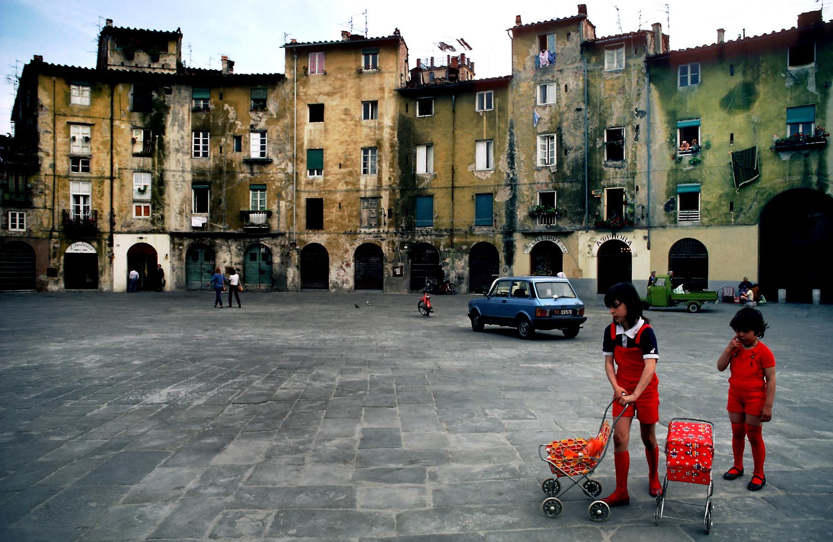 Piazza del Mercato in Lucca