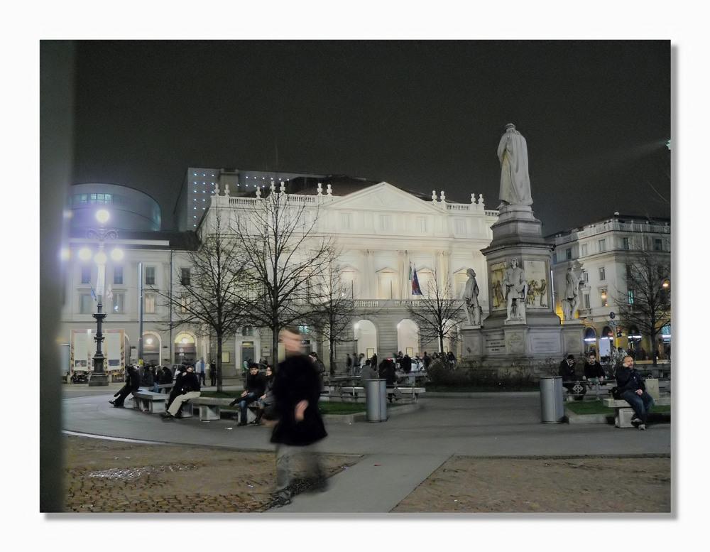 .. Piazza della Scala...