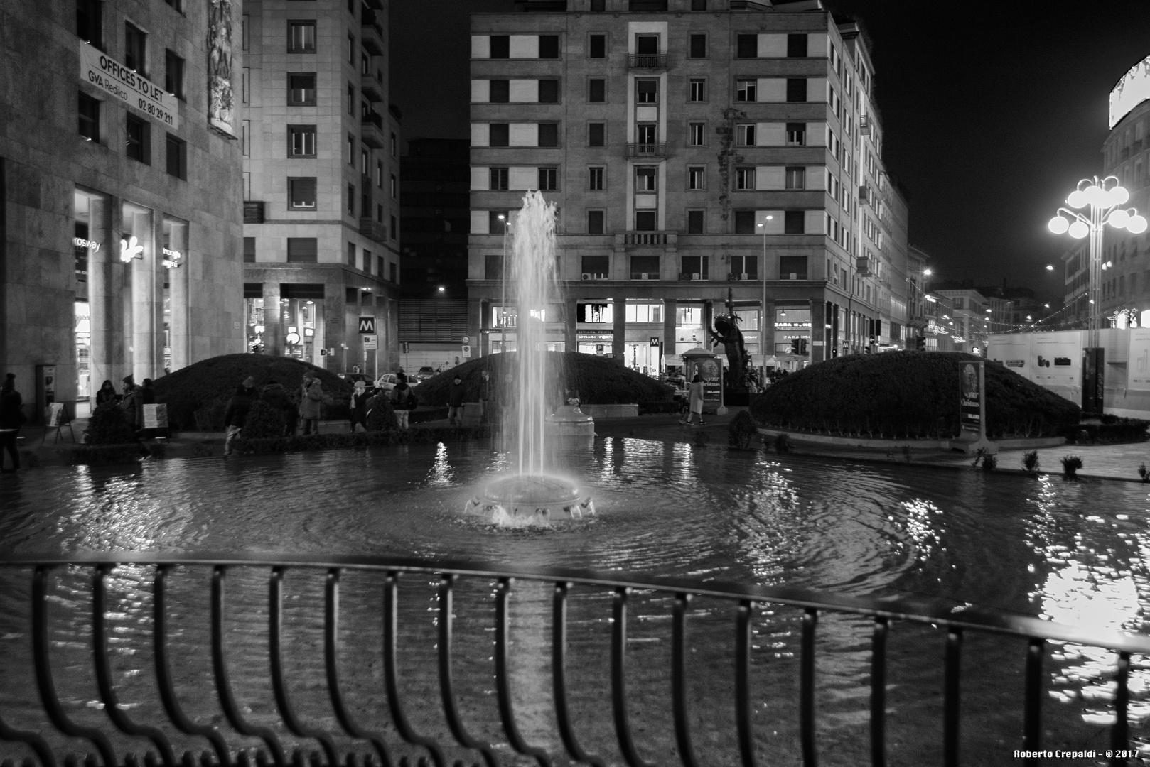 Piazza San Babila, fontana