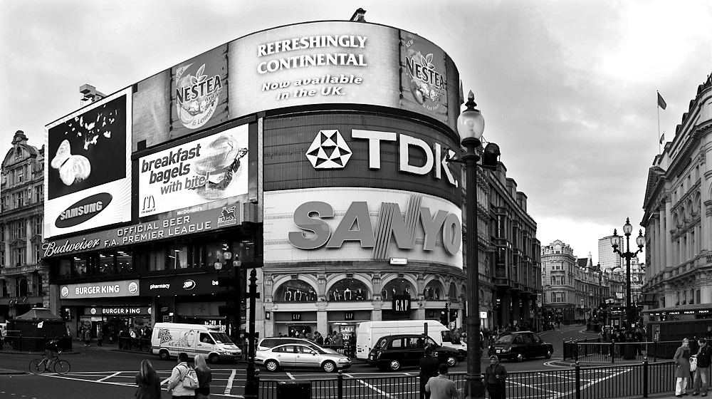 Picadilly Circus b/w