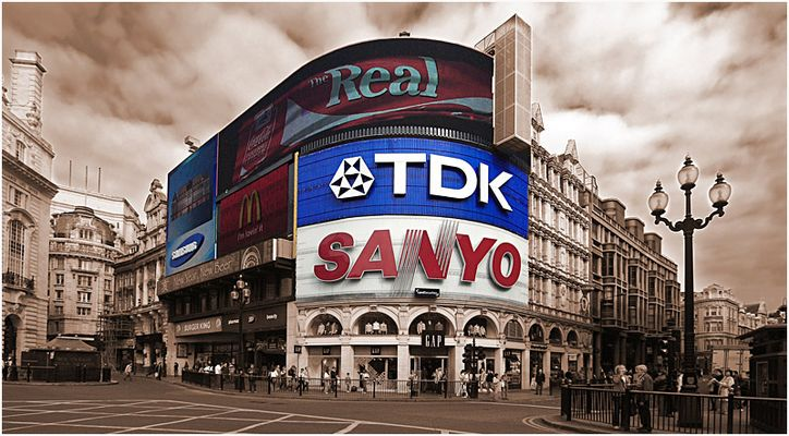 ...Piccadilly Circus...