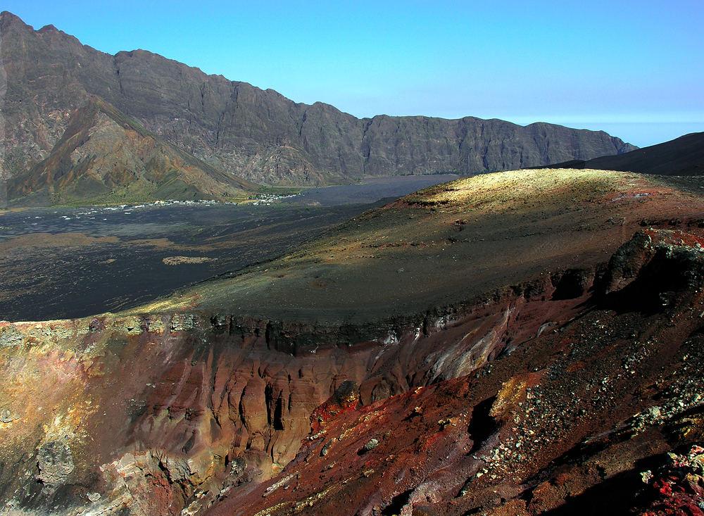 Pico Pequeno - Ilha do Fogo