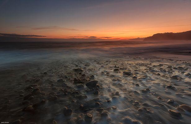Piedras, agua y aire.