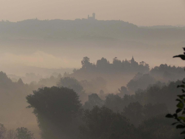 Piemont im Nebel