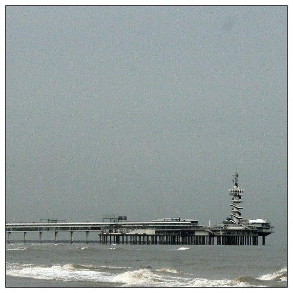 - Pier in Den Haag-
