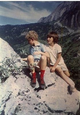 Pierre et Loïc vers les années 1970 en montagne
