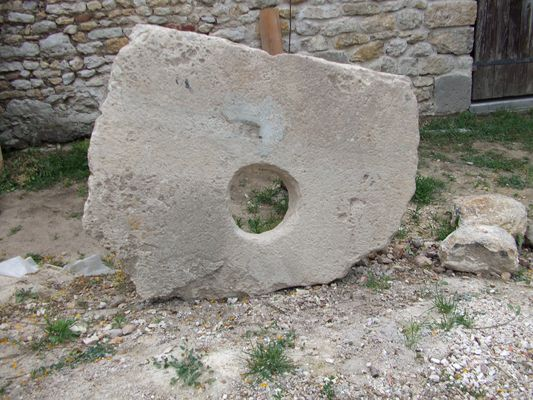 pierre percée 3
