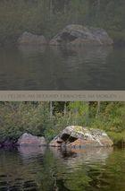 Pierres au bord d'un lac, se réveillant le matin. - '7'