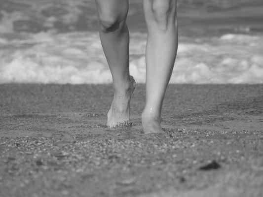 Pies en la arena