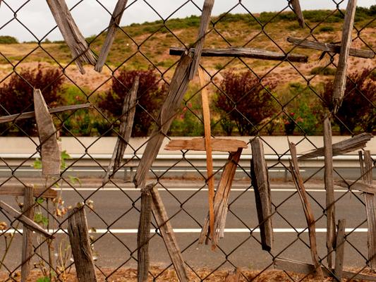 Pilgerkreuze an der Autobahn