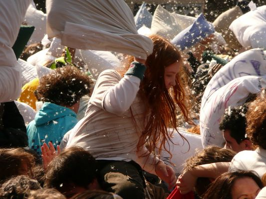 Pillow Fight NYC (II)