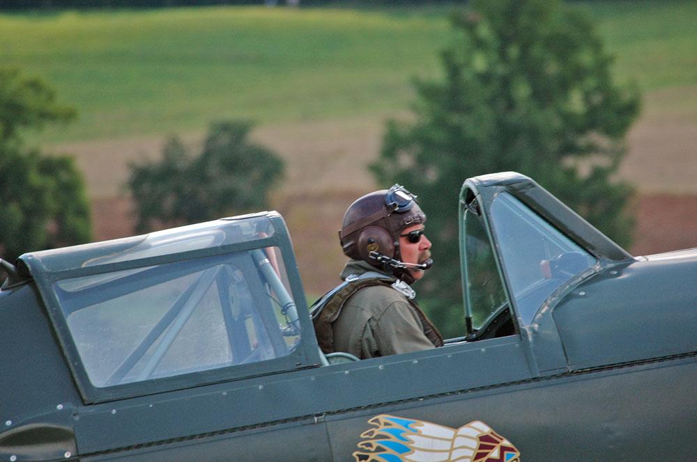 Pilot am Start mit einer Morane D-3801