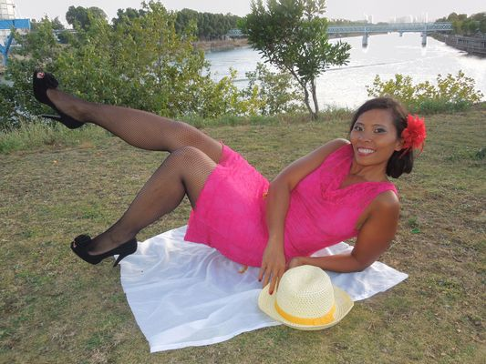 Pin up sur l'herbe