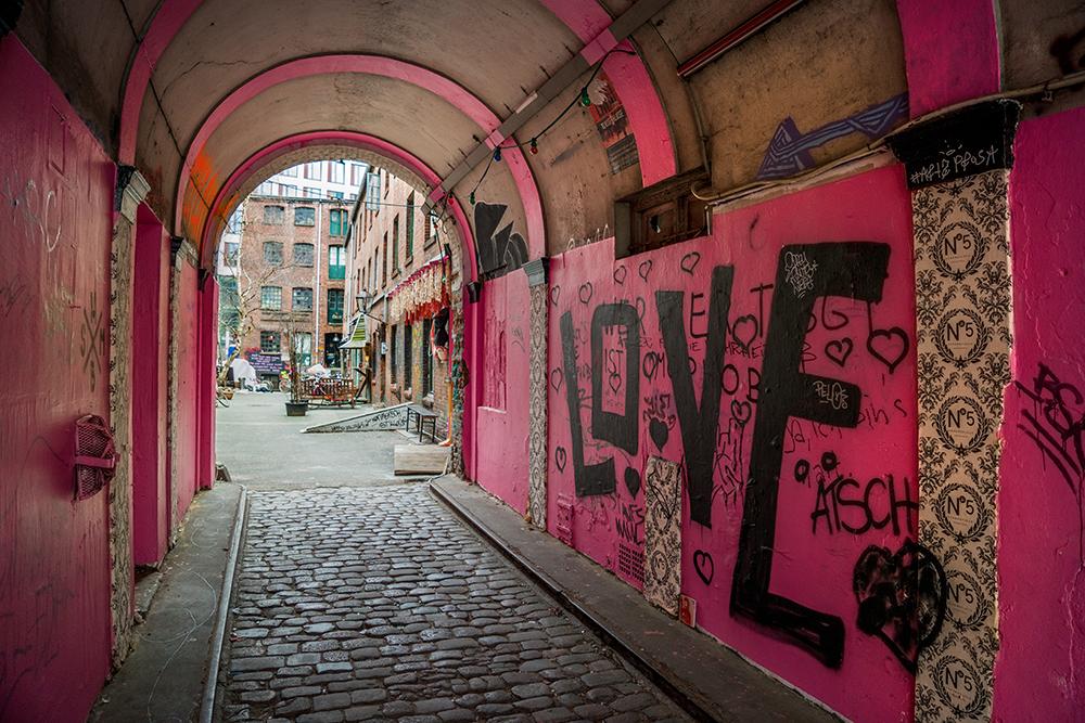Pink-Love-Tunnel