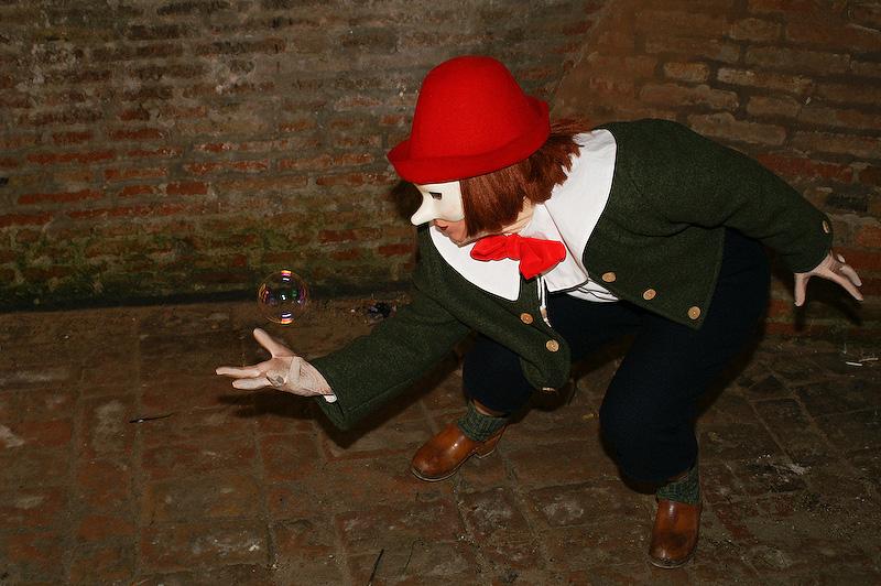 Pinocchio und die Seifenblase