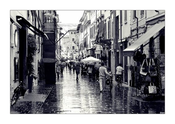 Pioveva a Pietrasanta