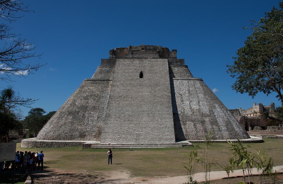 Pirámide del Adivino...