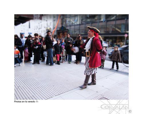 Piratas en la vereda -1-