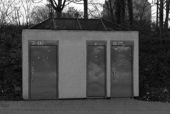 Pissoir - Bahnhof Opladen