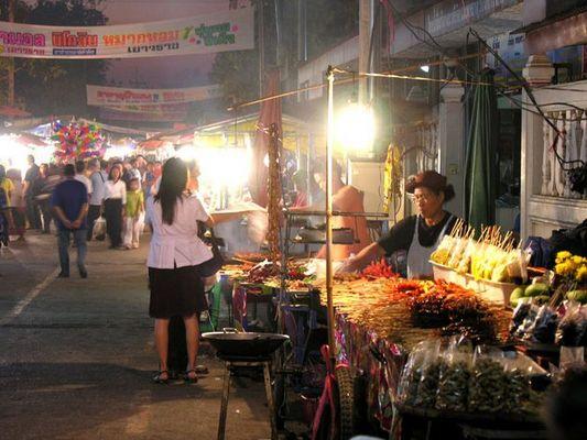 Pitsanulok, ein Nachtmarkt