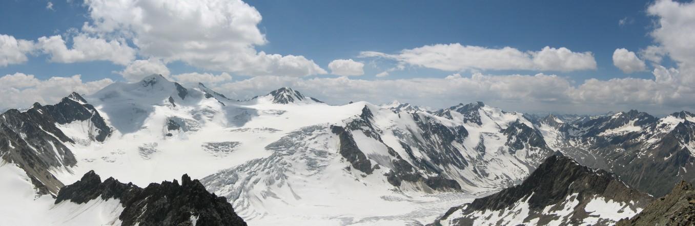 Pitztaler Gletscher mit der Wildspitze
