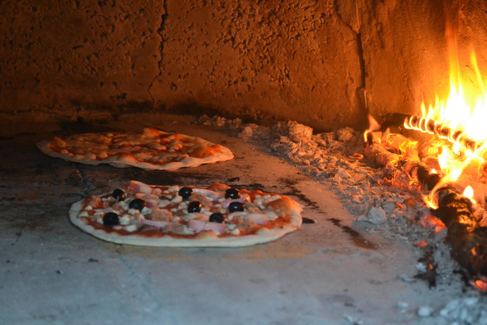 Pizza aus dem eigenen Steinofen