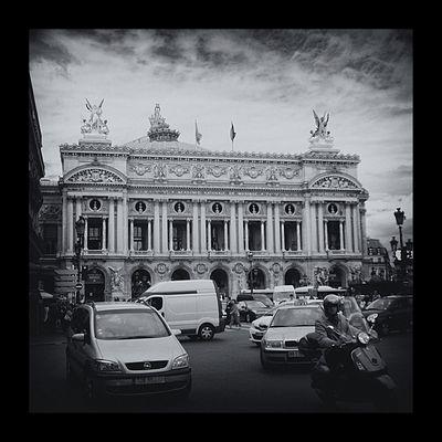 Place de l Opera - Street life -