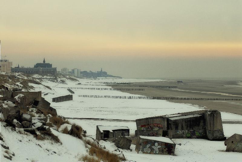 plage de berck sous la neige.
