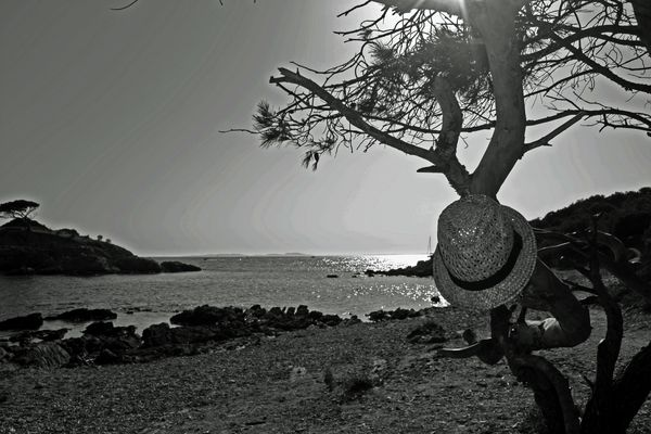 plage de l'estagnol dans la var