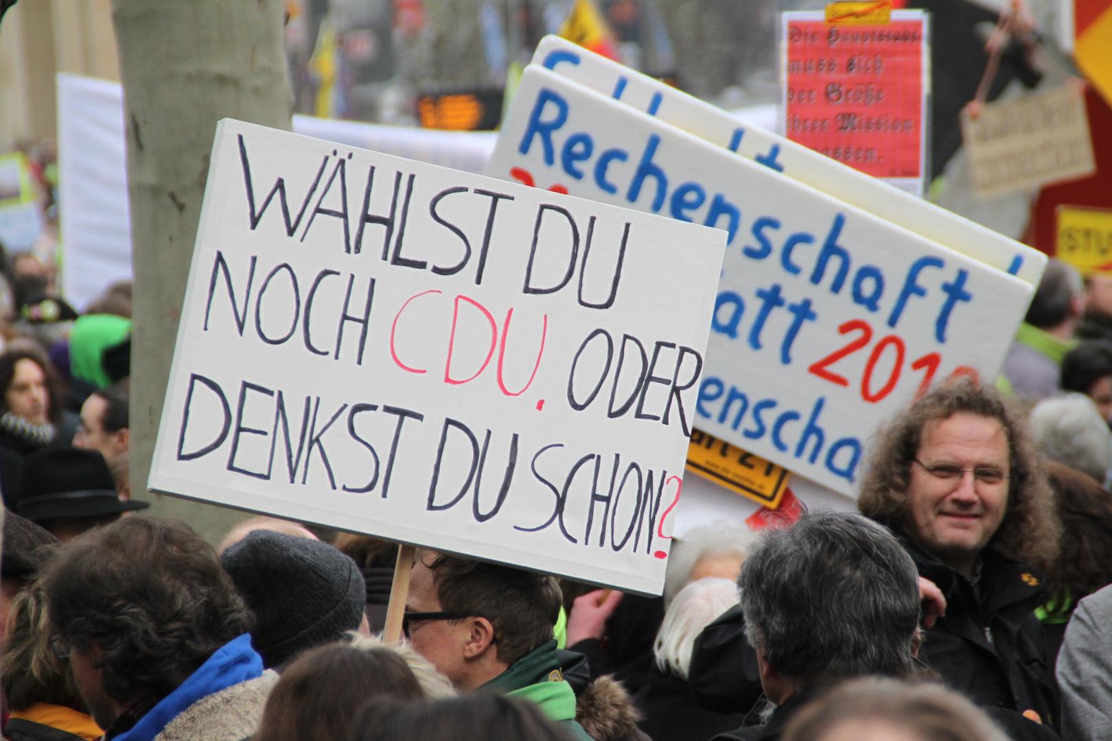 Plakat: Wählst Du oder ...?!? Stuttgart 19.2.2011