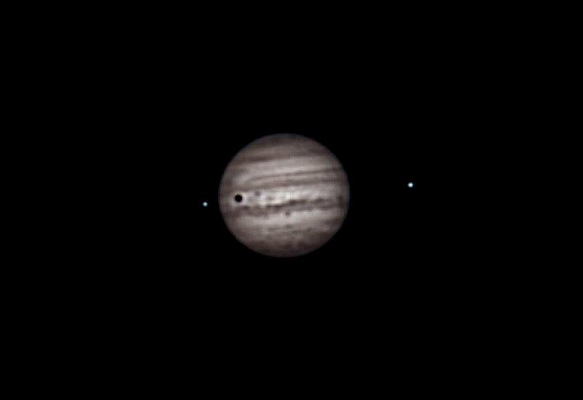 Planet Jupiter Infrarotaufnahme mit Monden und Mondschatten