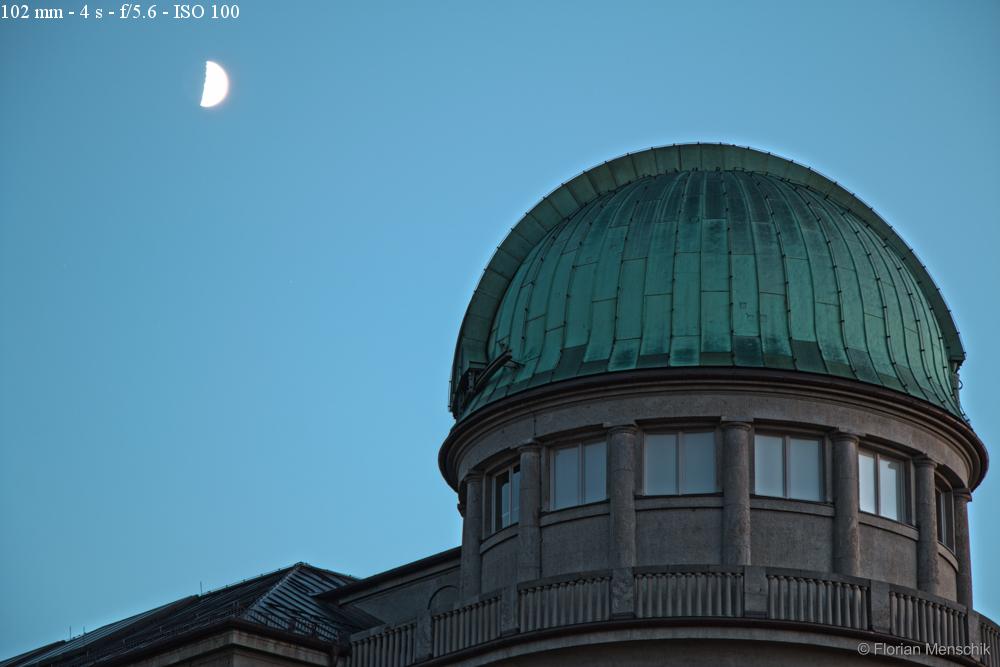 Planetarium am Abend (HDR-Aufnahme)