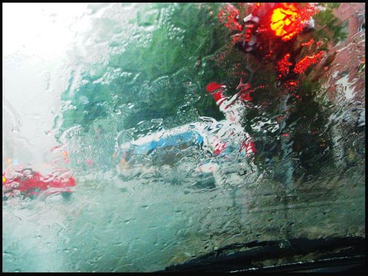 Platzregen im Verkehr