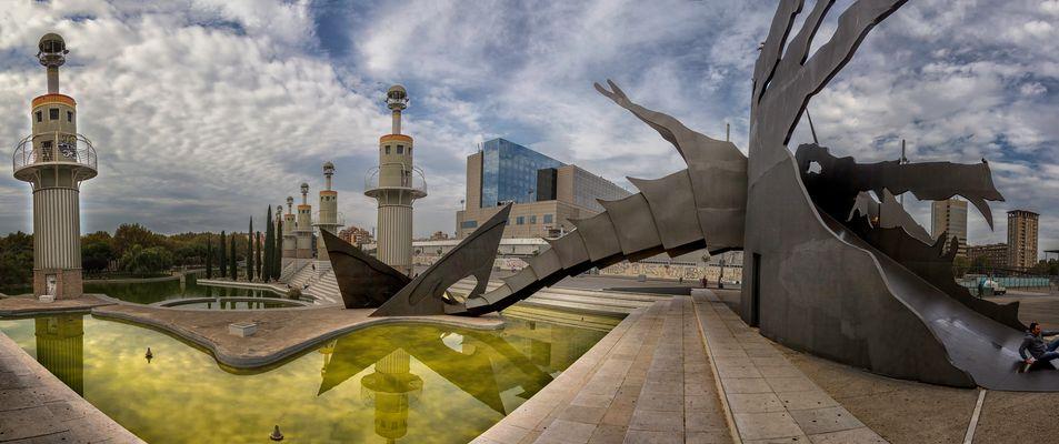 Plaza con tobogan