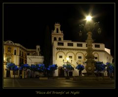 """Plaza del Triunfo"" bei Nacht"