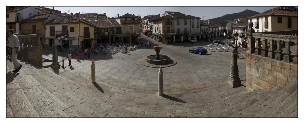 Plaza Mayor de Guadalupe (Cáceres Extremadura España)