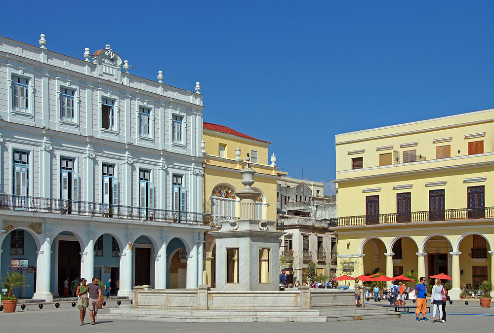 ..Plaza Vieja 4..