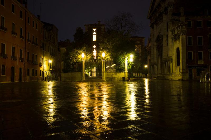 Plazzo bei Nacht